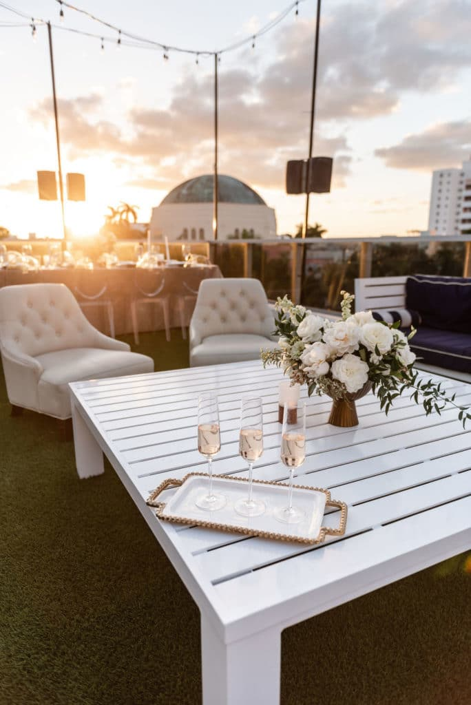 I am sharing the 9 steps to take in order to find the perfect location for your destination wedding. #destinationweddingplanner #destinationwedding #weddingplanningtips