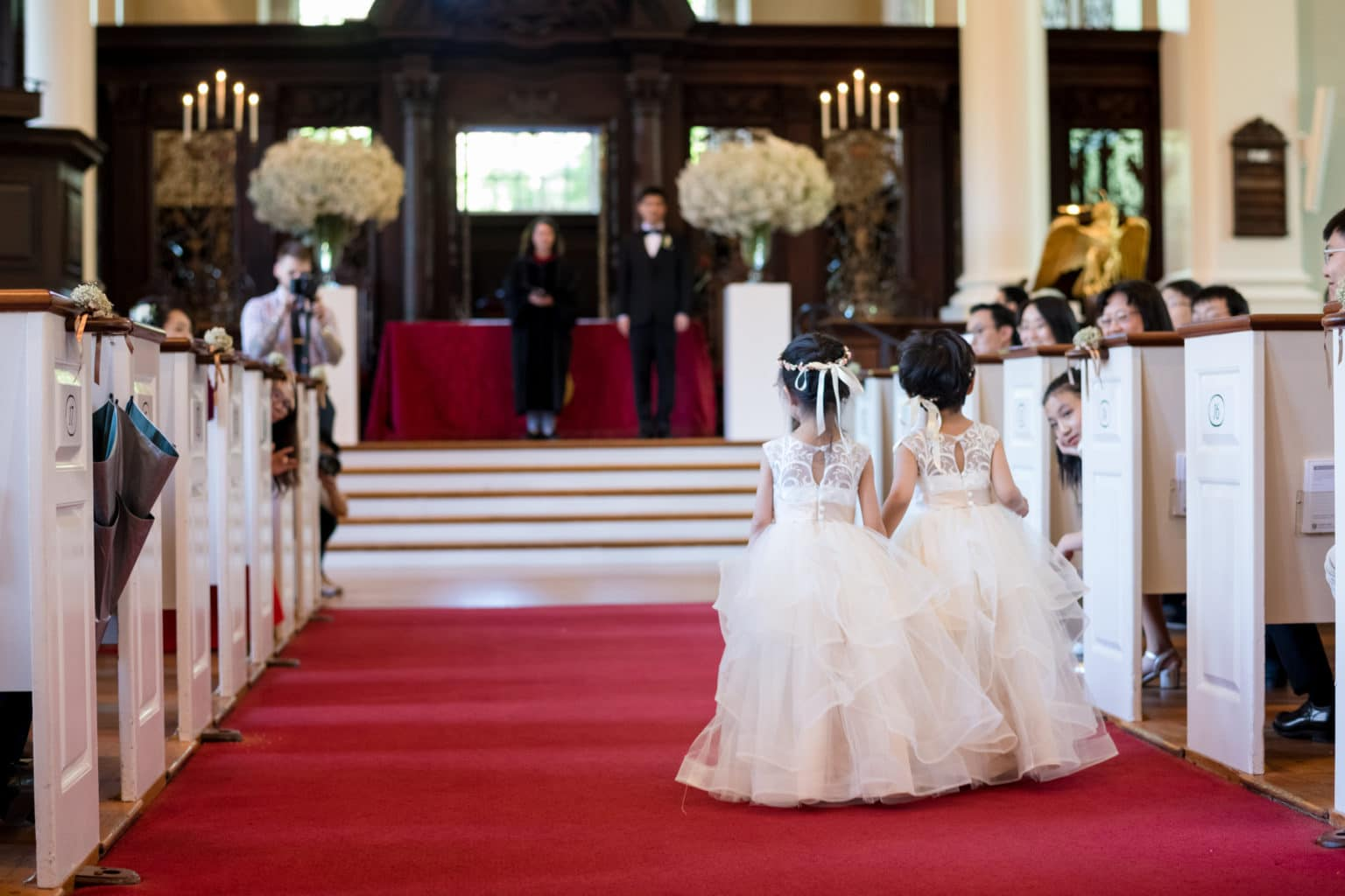We are sharing our 2019 best wedding designs from the year. Featuring Chancey Charm Boston. #weddingdesign #weddinginspiration #chanceycharmboston