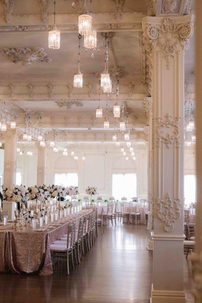 We are sharing our 2019 best wedding designs from the year. Featuring Chancey Charm Dallas. #weddingdesign #weddinginspiration #chanceycharmdallas