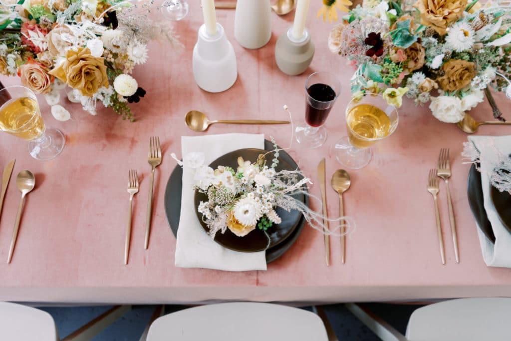 We are sharing our 2019 best wedding designs from the year. Featuring Chancey Charm Atlanta. #weddingdesign #weddinginspiration #chanceycharmatlanta
