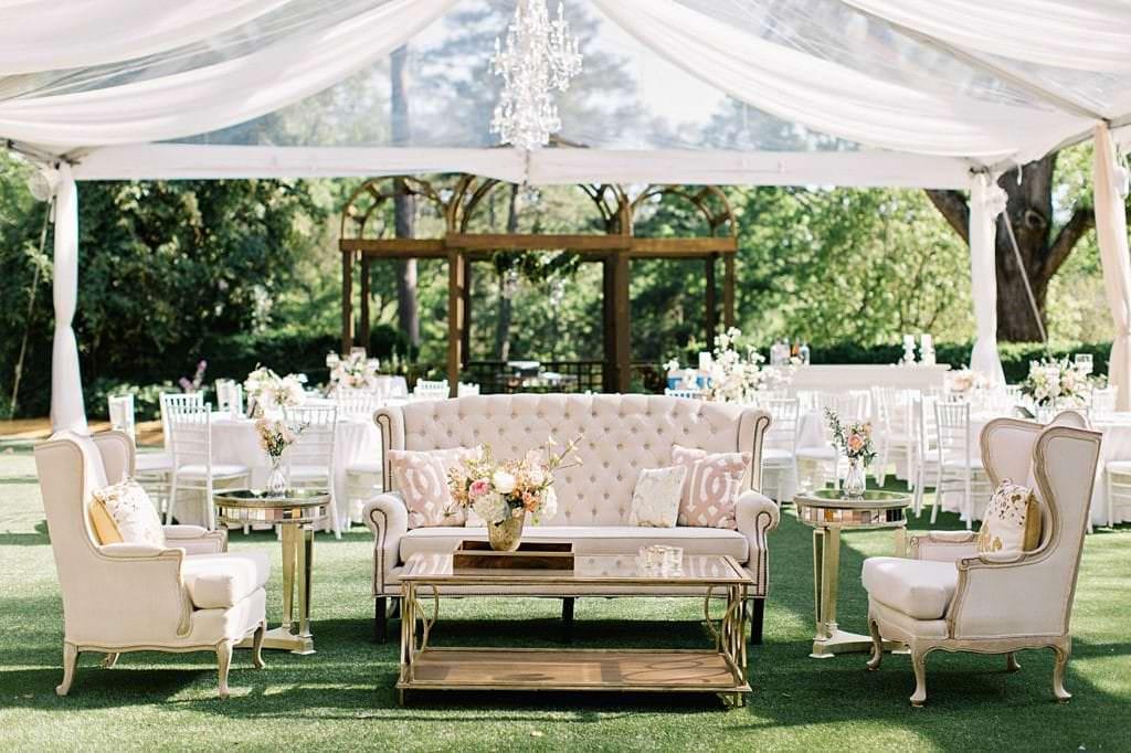 luxury-outdoor-atlanta-wedding-lounge-setting