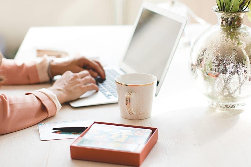 wedding planner - computer - laptop - coffee - working