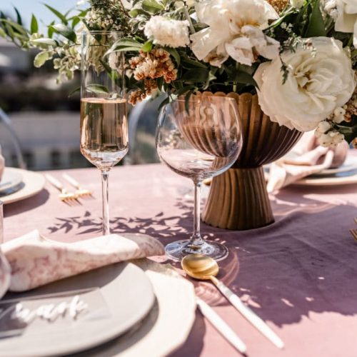 How to start marketing your wedding planner business with clarity. #howtobeaweddingplanner #weddingplannerbusiness #weddingplannermarketing